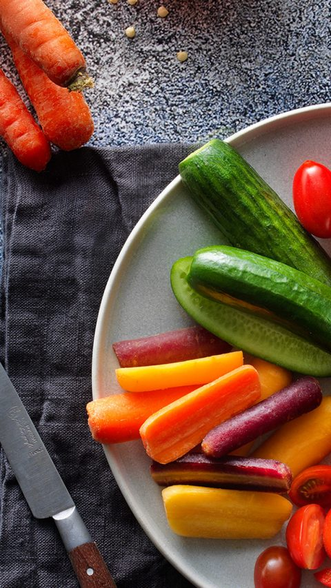 CAC_NL_Raw_Snack_Vegetables_with_Dipper_crop.jpg